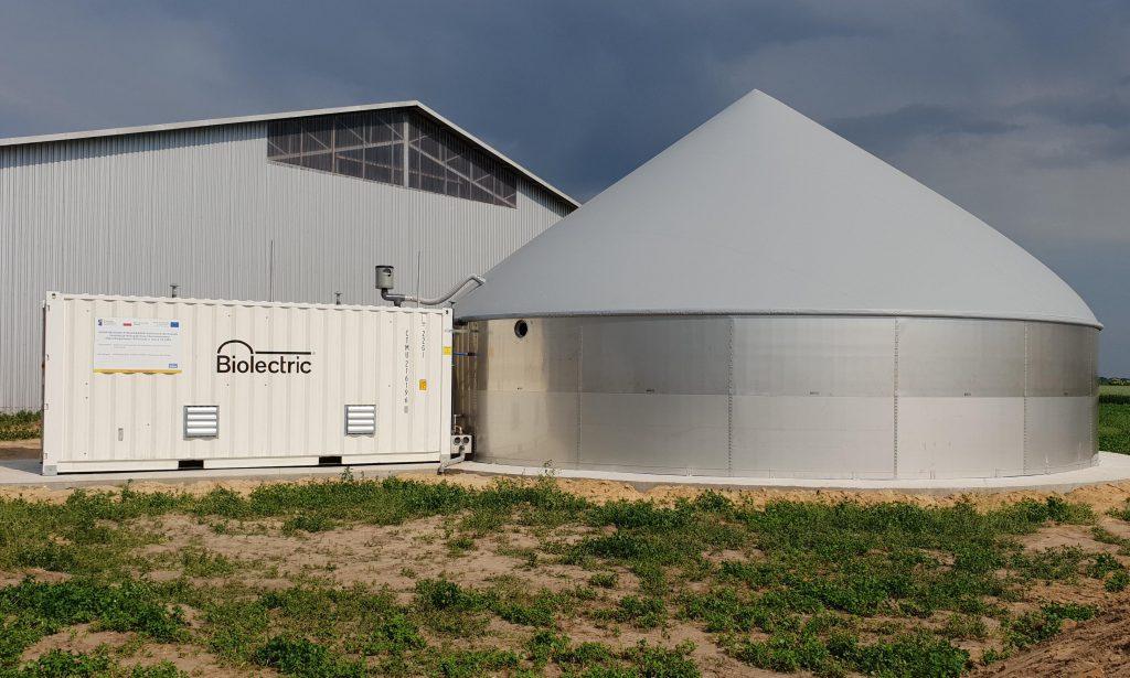 Fot2. Przykład mikrobiogazowni 33 kWe produkującej do 200 MWhe/rok