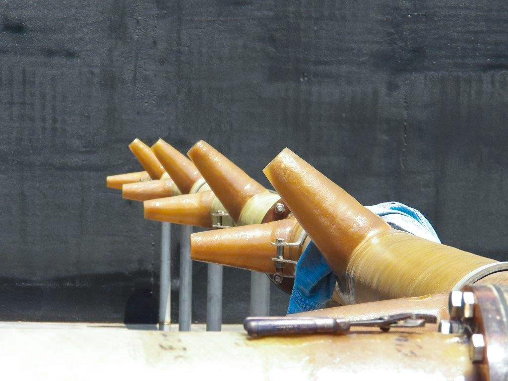 Fot. 4    Magistrala eżektorowa z głowicami umieszczonymi pod różnym kątem [12]