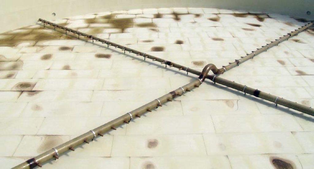 Fot. 6    Krzyżowy układ rozmieszczenia przewodu magistralnego mieszadła eżektorowego [12]