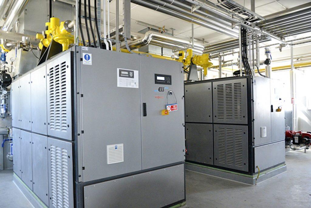 Fot. 4. Układ kogeneracji 2 × 190 kW